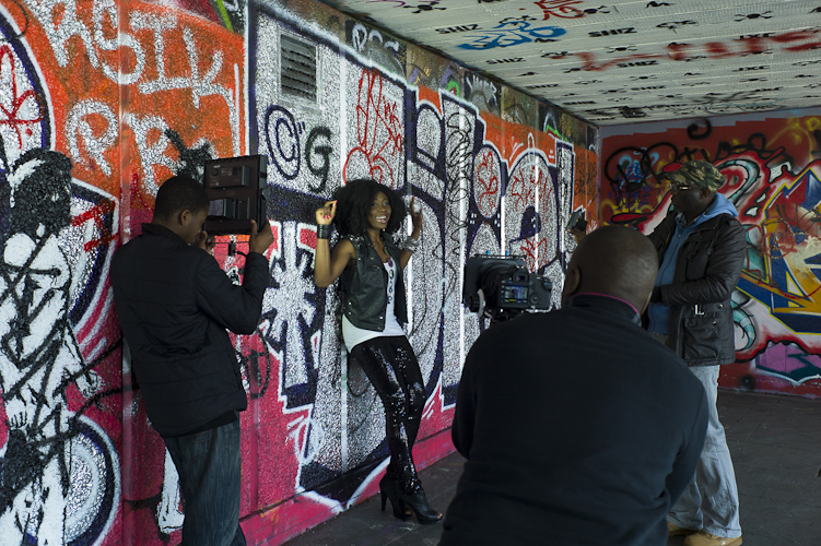 Making a pop video on Southbank London - Photo © Rena Pearl