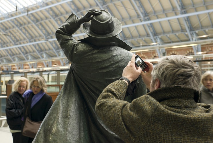 John Betjeman, St Pancras Station  photo © Rena Pearl